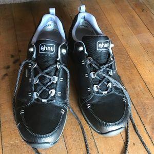 Ahnu by Teva hiking shoes black & gray size 10.5